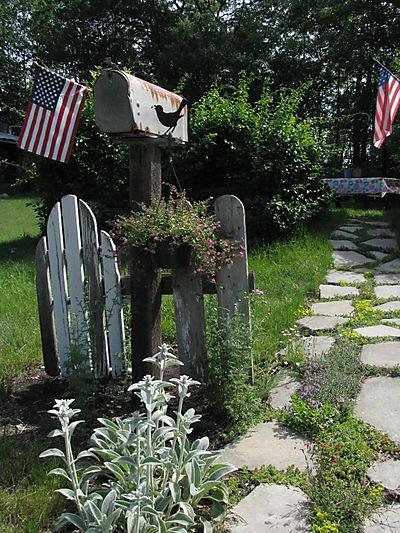Mailbox stone path