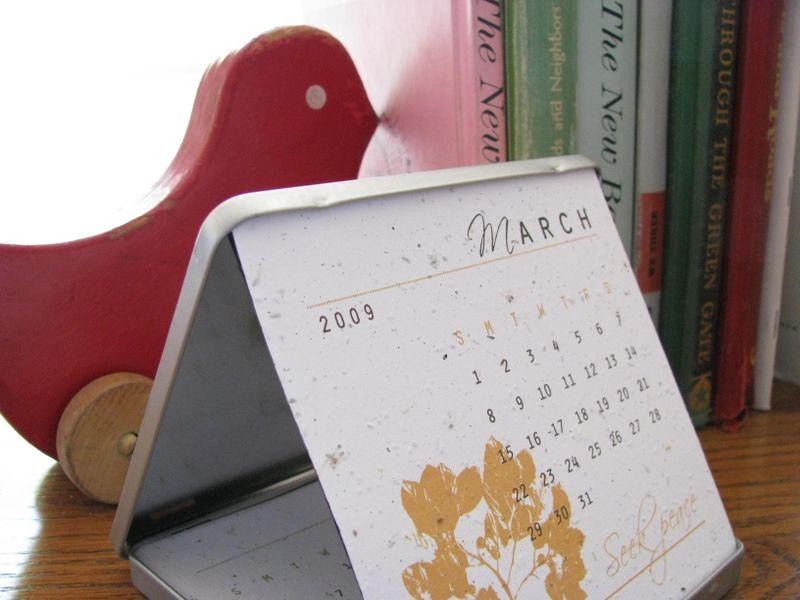 Plantable desk calendar