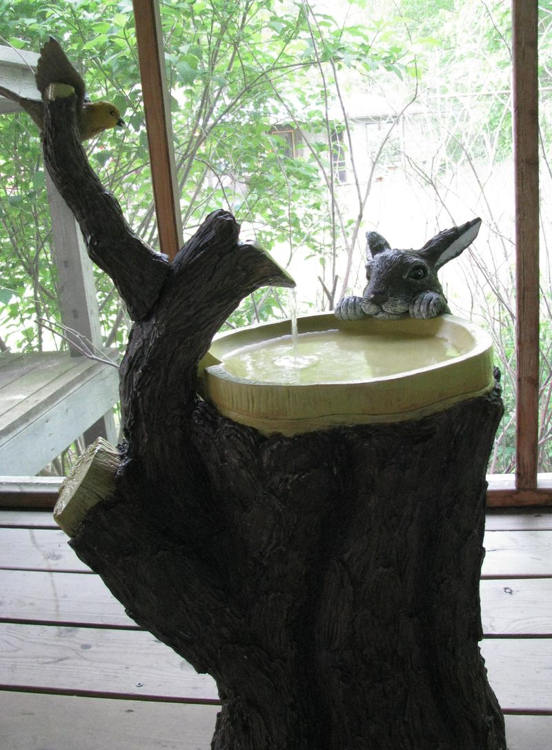 Water fountain bird bunny
