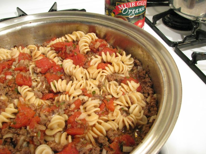 Hamburger macaroni hotdish #1