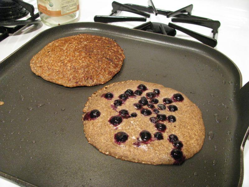 Buckwheat oatbran pancakes