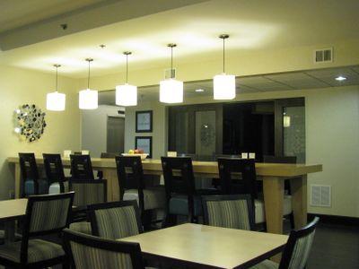 Hampton madison wi breakfast room