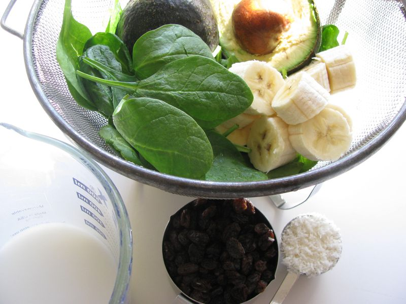 Spinach avocado pudding ingredients
