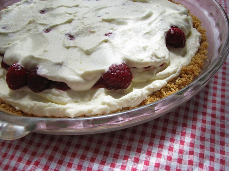Raspberry icebox pie