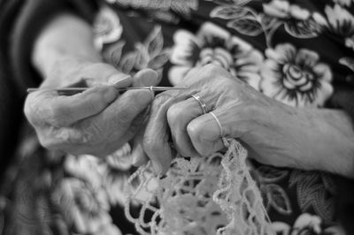 Mom crochetingb+w