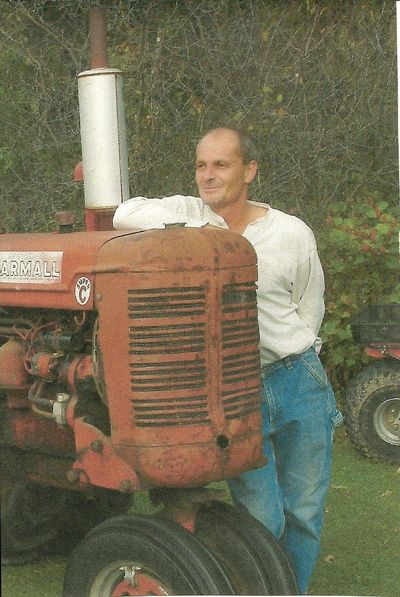 Rick farmall tractor