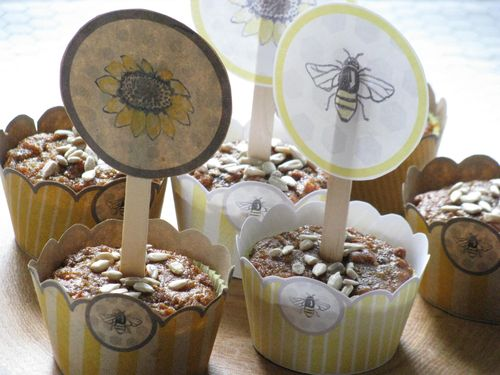 Sweet bee cupcake wrappers + toppers