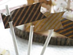 Sweet bee straw toppers