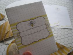 Sweet bee envelope