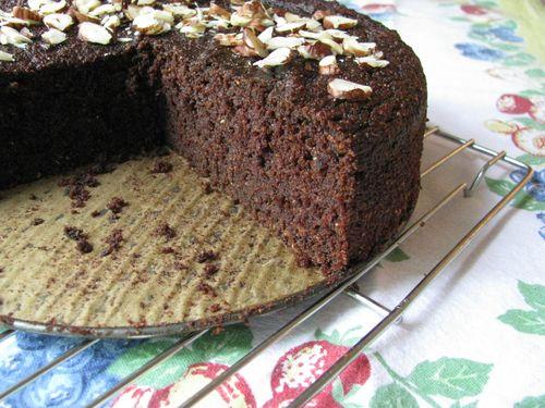Baked beet cake
