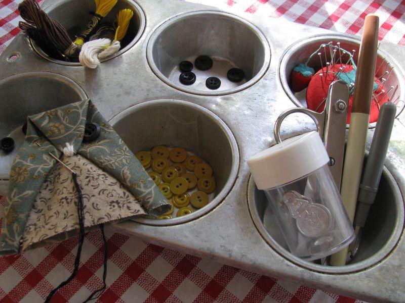 Muffin tin organizer