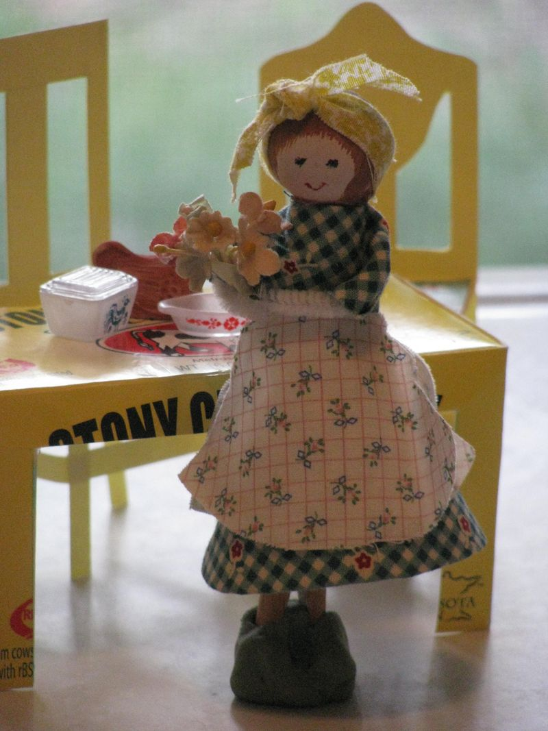 Tillie clothespin doll