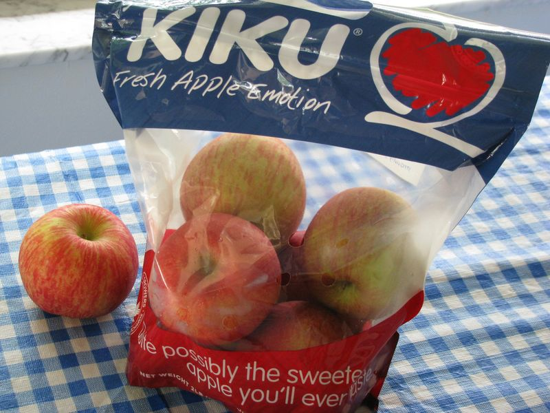 Bag of kiku apples